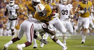 BATON ROUGE, LA - SEPTEMBER 17: during the first half of a game against the Mississippi State Bulldogs at Tiger Stadium on September 17, 2016 in Baton Rouge, Louisiana.  (Photo by Jonathan Bachman/Getty Images)