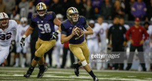 SEATTLE, WA - SEPTEMBER 30:  Quarterback Jake Browning #3 of the Washington Huskies looks downfield to pass against the Stanford Cardinal on September 30, 2016 at Husky Stadium in Seattle, Washington.  (Photo by Otto Greule Jr/Getty Images) *** Local Caption *** Jake Browning