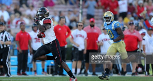 October 22, 2016: UCLA Bruins during the game against the Utah Utes at the Rose Bowl  in Pasadena, CA. (Photo by Adam Davis/Icon Sportswire)