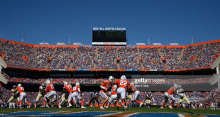 GAINESVILLE, FL - NOVEMBER 25: A general view of Feleipe Franks #13 handing the ball off to Lamical Perine #22 of the Florida Gators during the game against the Florida State Seminoles at Ben Hill Griffin Stadium on November 25, 2017 in Gainesville, Florida. (Photo by Rob Foldy/Getty Images) *** Local Caption *** Feleipe Franks; Lamical Perine